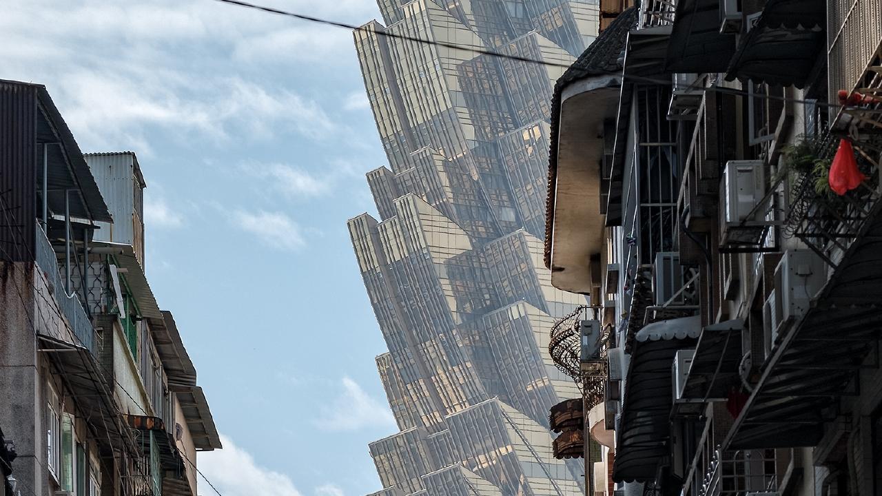 'Alien invasion' image baffles internet